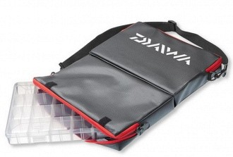 Daiwa Tackle Box Carrier Műcsalis válltáska 34x23x13 cm